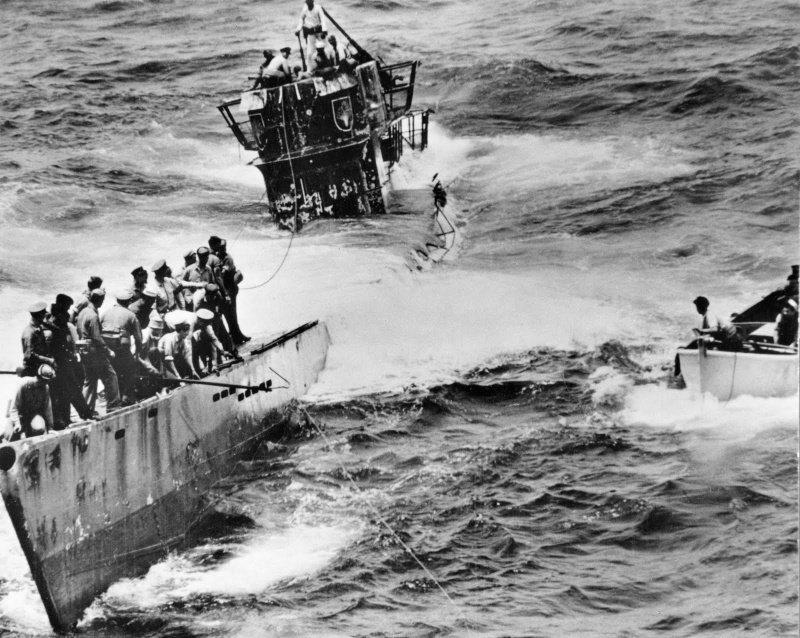 Захваченная американцами немецкая подлодка U-505. 4 июня 1944 г. вов, военное, интересное, история, трофеи, фото