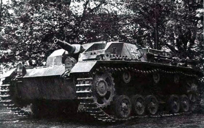 StuG III, захваченная частями Красной Армии в полной исправности. Август 1941 года вов, военное, интересное, история, трофеи, фото