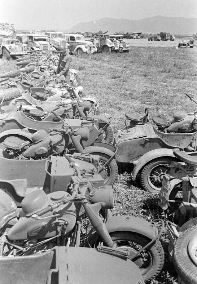 Трофеи, захваченные союзниками после сдачи в плен немецкой группировки Африканского корпуса в Тунисе в 1943 году. вов, военное, интересное, история, трофеи, фото
