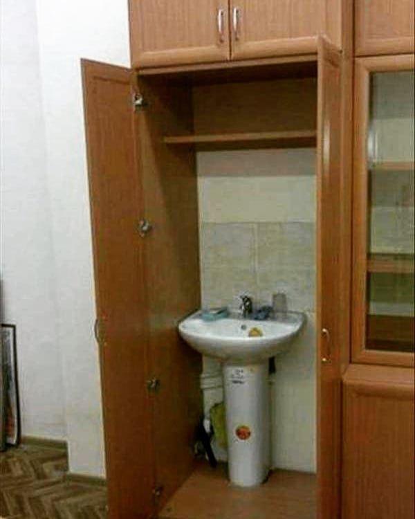 Где у вас можно вымыть руки? Там, в шкафу Руки из жопы, кривыми руками, мастер, ремонт, сами с усами, юмор