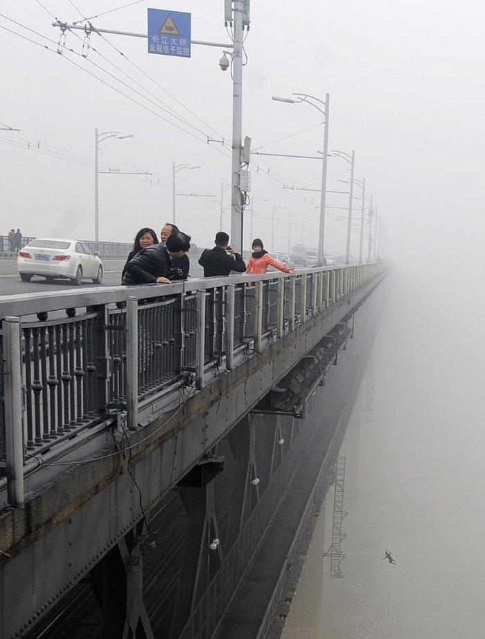 6. Самоубийство на мосту истории, смерть, фотографии