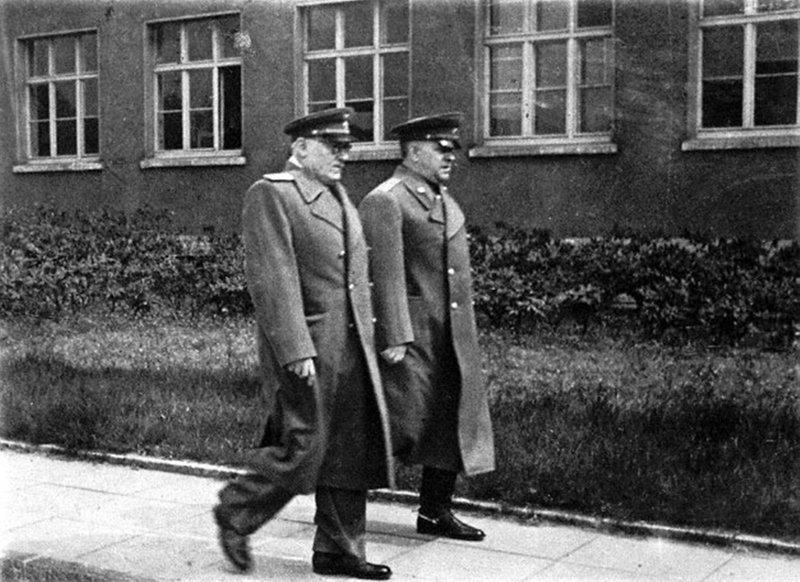 Неизвестный Карлсхорст Порошенко, германия, капитуляция, юмор