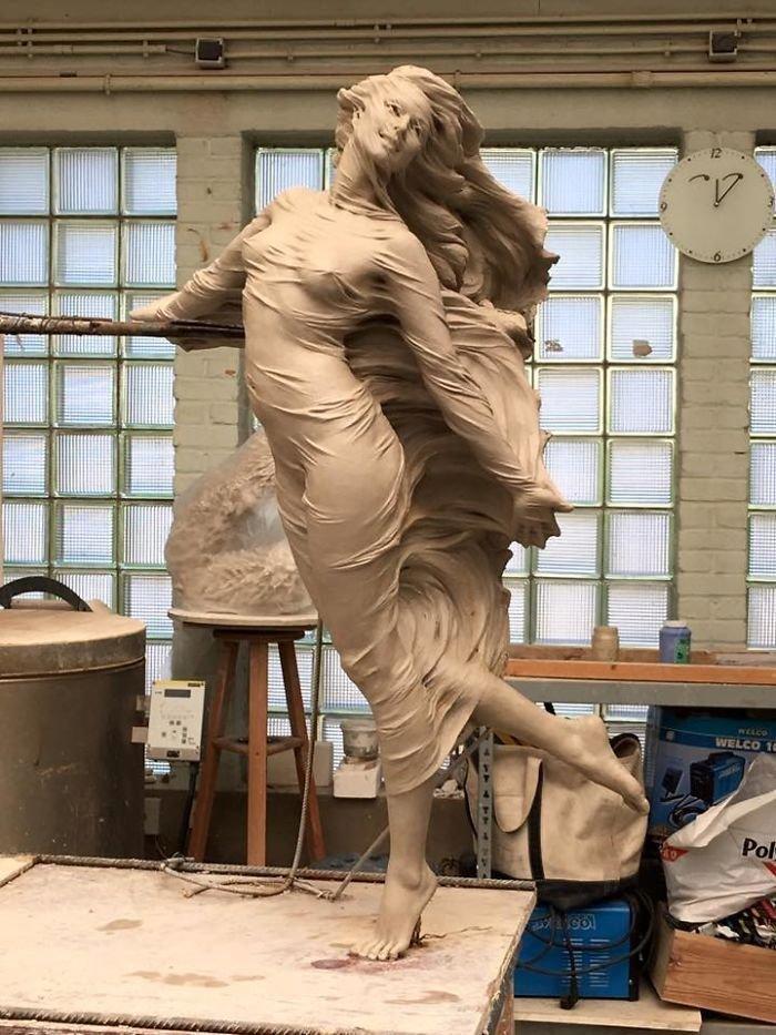 Китайский скульптор Луо Ли Ронг создает прекрасные бронзовые статуи девушек в полный рост интересное, искусство, красота, лица, скульптура, талант