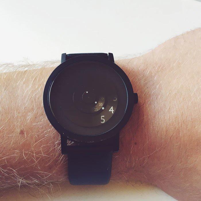 11. Часы, показывающие лишь нужное  Стиль, вещь, дизайн, минимализм, подборка, простота, фото