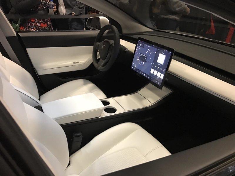 17. Интерьер электрокара Tesla Model 3 Стиль, вещь, дизайн, минимализм, подборка, простота, фото