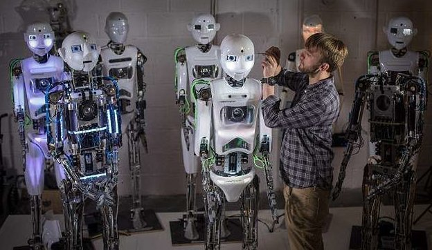Специалисты Engineering Arts создают не только роботов, но и протезы  великобритания, лаборатория, мир, наука, робот, технологии, фото