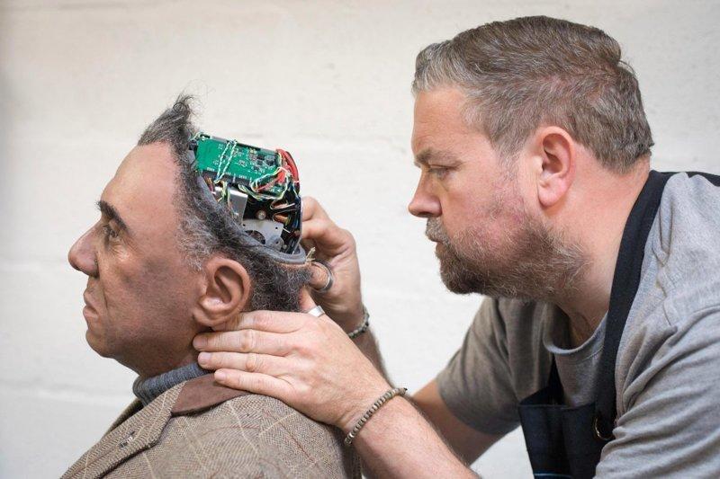 Команда британских инженеров создает человекоподобных роботов, которые умеют танцевать, разговаривать на нескольких языках и даже пугать посетителей лондонских пабов великобритания, лаборатория, мир, наука, робот, технологии, фото