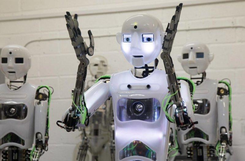 Компания также известна своим роботом-актером Теспианом  великобритания, лаборатория, мир, наука, робот, технологии, фото