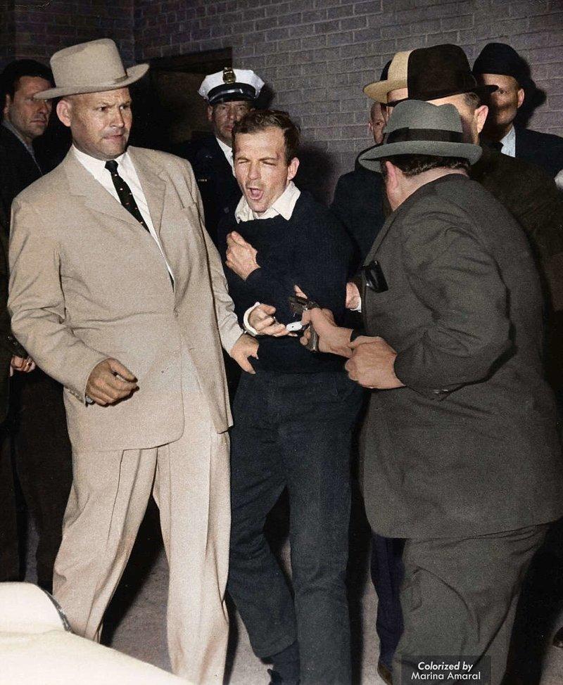 Владелец ночного клуба Джек Руби стреляет в Ли Харви Освальда, спустя два дня после убийства Джона Ф. Кеннеди. 24 ноября 1963 года. история, люди, события 20 века