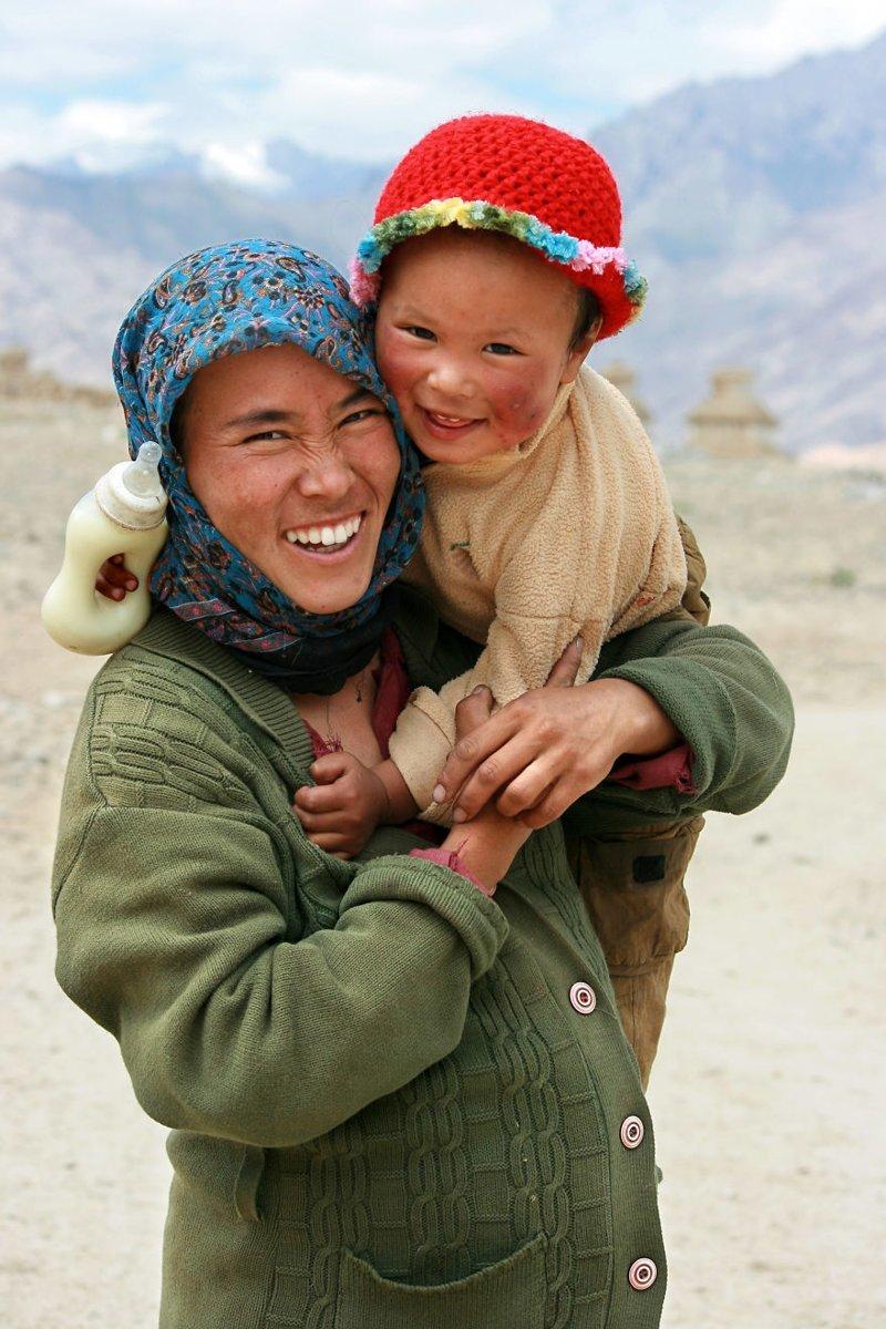 Долина Инда, Индия, 2008 мамы, материнская любовь, мать и дитя, путешествия, трогательно, фото, фотомир, фотоочерки