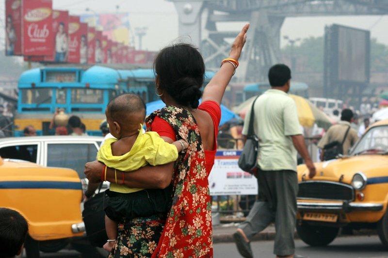 Калькутта, Индия, 2013 мамы, материнская любовь, мать и дитя, путешествия, трогательно, фото, фотомир, фотоочерки