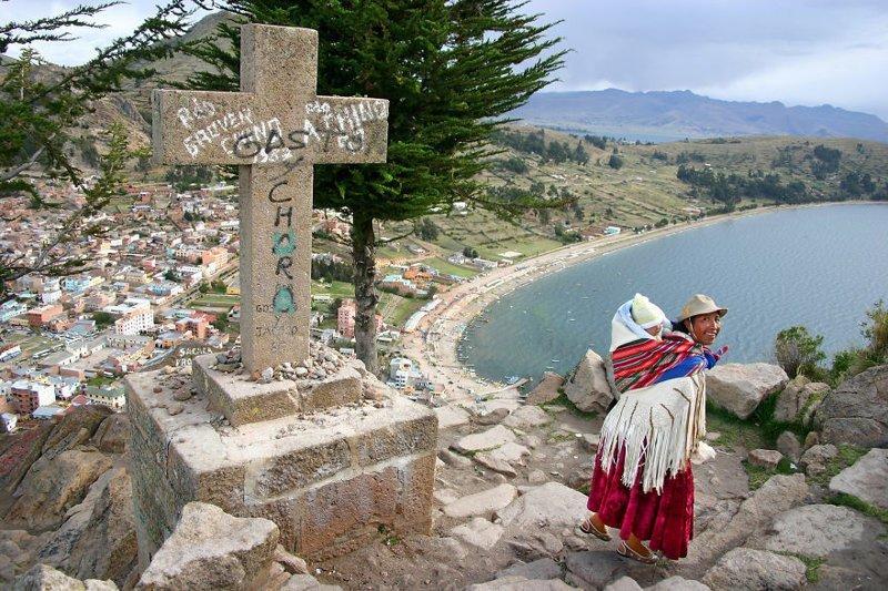 Копакабана, Боливия, 2005 мамы, материнская любовь, мать и дитя, путешествия, трогательно, фото, фотомир, фотоочерки