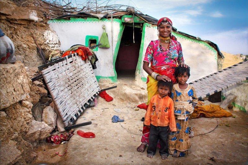 Джайсалмер, Индия, 2010 мамы, материнская любовь, мать и дитя, путешествия, трогательно, фото, фотомир, фотоочерки