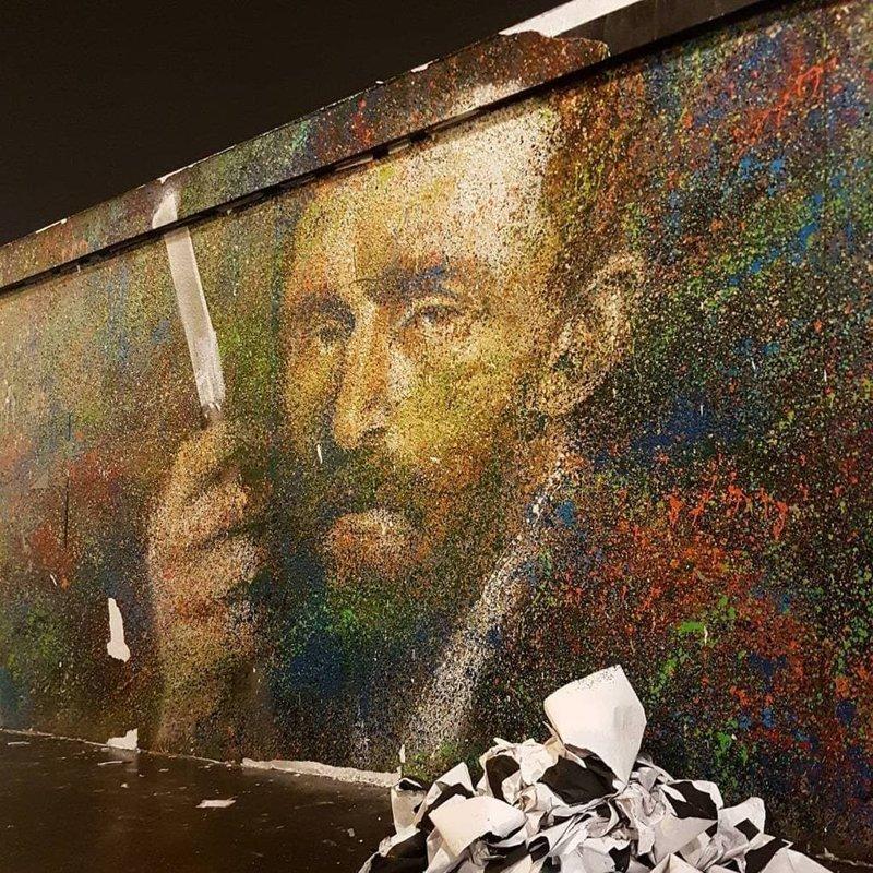 Но с тех пор на его счёт пришло 0,11 биткоина, а это около одной тысячи долларов Хитрость, в мире, граффити, деньги, идея, люди, художник