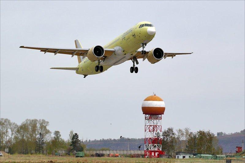 Второй самолет МС-21 совершил первый полет МС-21, первый полет, самолет