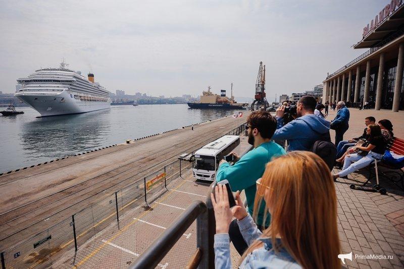 """Круизный лайнер «Costa Serena» пришвартовался во Владивостоке """"Costa Serena"""", владивосток, круизный лайнер"""