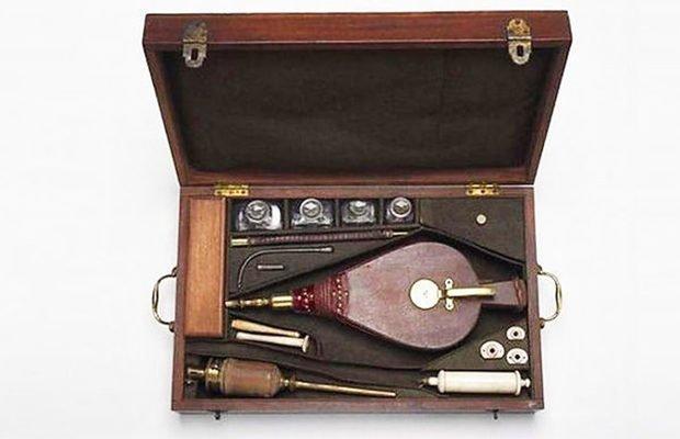 Дымная клизма изобретение, история, предметы