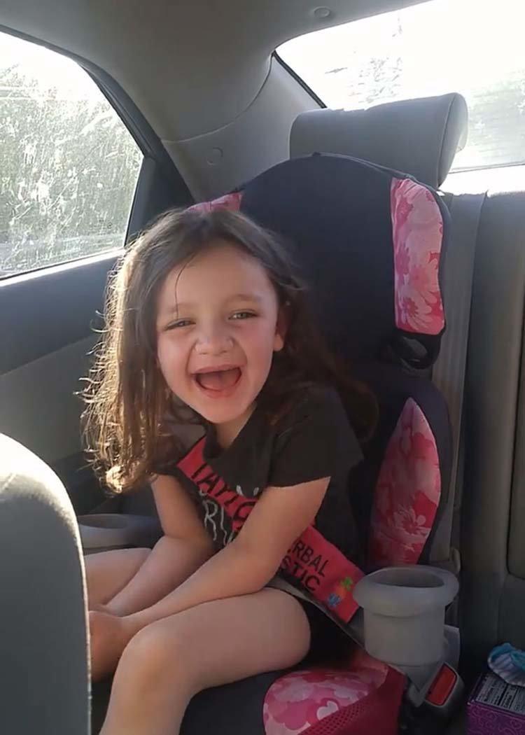 Дочь-аутист удивила маму, сказав первое слово в пять лет в мире, дети, добро, история, люди, позитив, речь