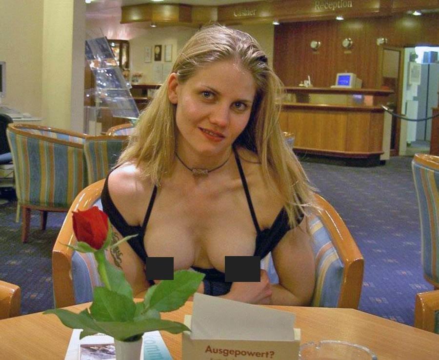 girlfriend-flashing-in-restaurant-video-restaurants-lynn