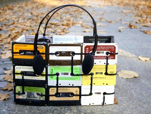 Сумку можно сделать из чего угодно... лишь бы наушники выдержали Лайфхак, кабельная стяжка, полезности, прикол, стяжка, хитрости