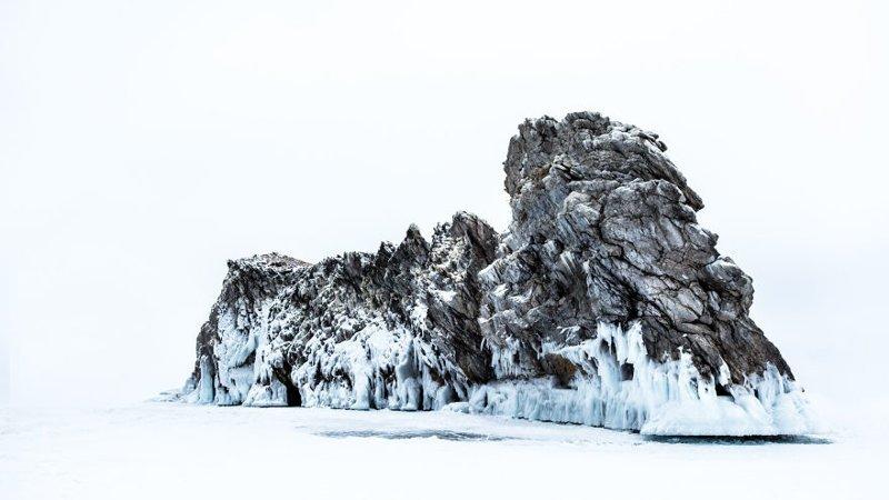 Скала в пустоте Зимняя сказка, байкал, зима, красота, лед, снег, фото, фоторепортаж