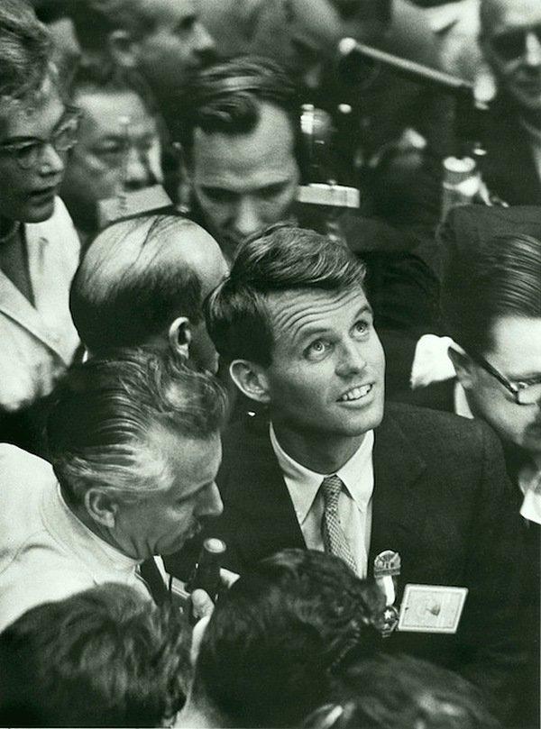 Альфред Эйзенштадт - Роберт Кеннеди, Лос-Анджелес 1960 Весь Мир в объективе, история, фотография