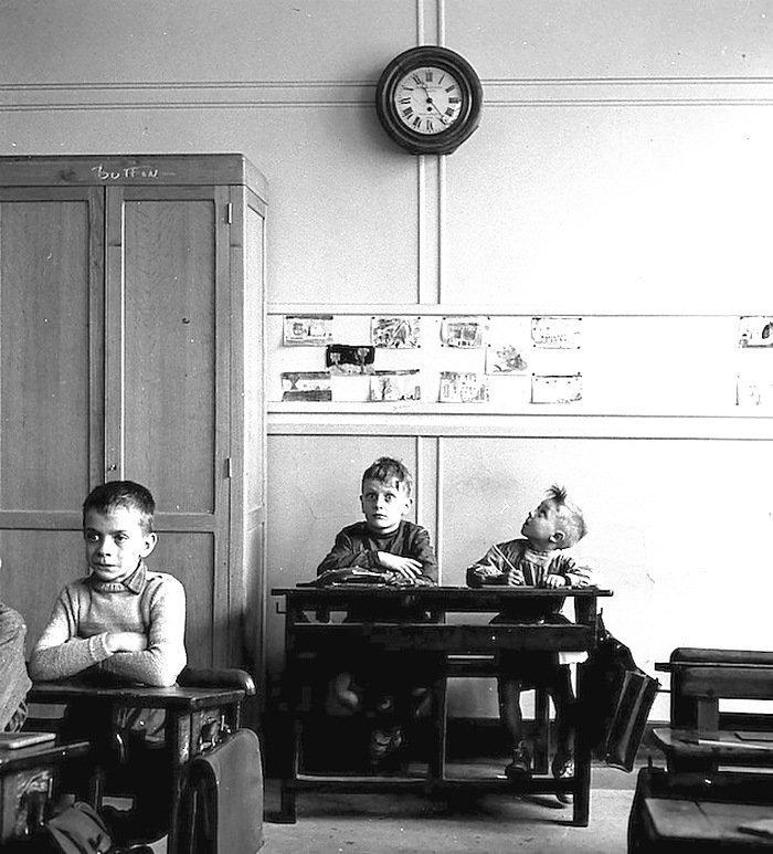 Роберт Доисно - школьные часы, Париж, 1956 Весь Мир в объективе, история, фотография