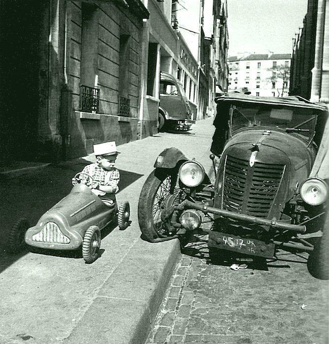 Роберт Дойно - Гонщики, 1946 Весь Мир в объективе, история, фотография
