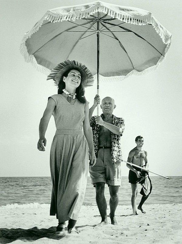 Роберт Капа - Пабло Пикассо и Франсуаза Жило, Гольф-Жуан, август 1948 Весь Мир в объективе, история, фотография
