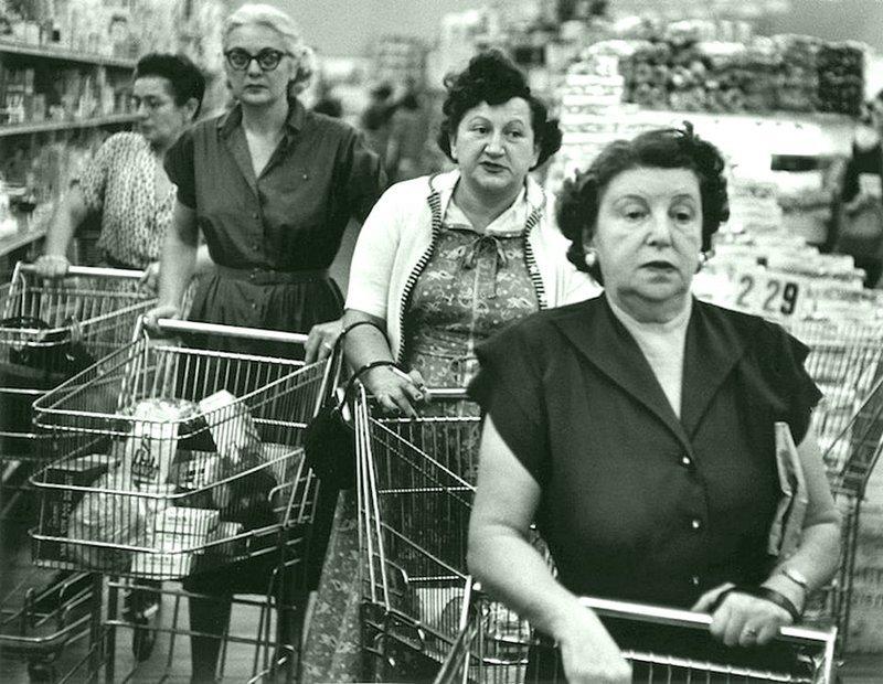 Уильям Клейн - Типичные американские женщины, супермаркет, Нью-Йорк 1955 Весь Мир в объективе, история, фотография