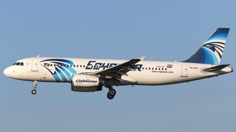 Самолет Egyptair Париж-Каир мог разбиться из-за iPhone в кабине пилота iphone, авиакатастрофа, взрыв, крушение, новости, расследование, самолет, трагедия