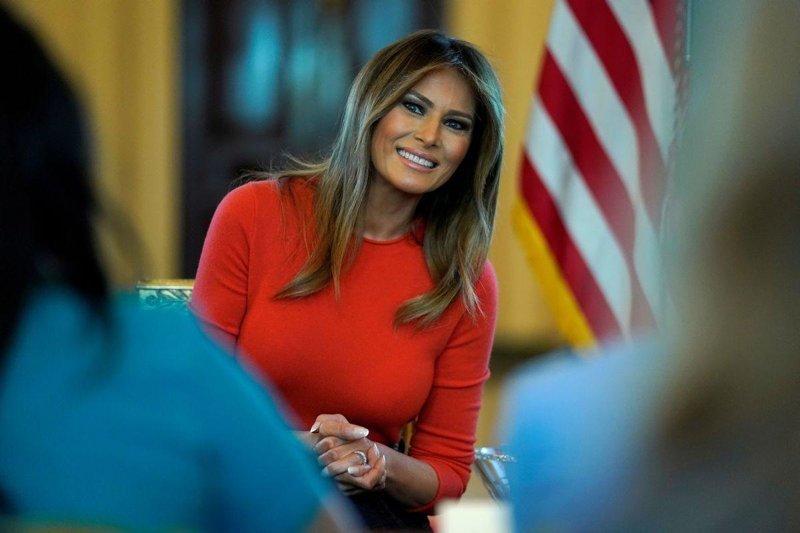 Первая леди США попала в больницу ynews, Меланья Трамп, Трамп, болезнь, больница, интересное, почки