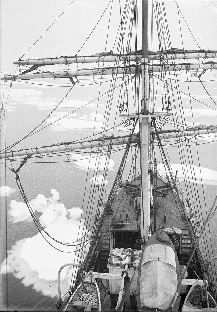 Льды в море Дюрвиля Дуглас Моусон, австралия, антарктида, изучение Антарктики, научная экспедиция, полярные исследователи, поход во льдах, фотосвидетельства
