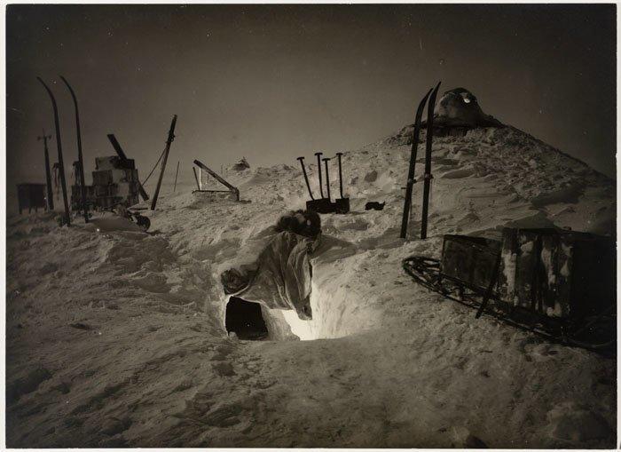 На зимних квартирах. Экспедиционная база на Земле королевы Мэри в Антарктиде Дуглас Моусон, австралия, антарктида, изучение Антарктики, научная экспедиция, полярные исследователи, поход во льдах, фотосвидетельства