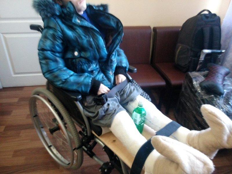 16-летнего инвалида не пустили в самолет из-за загипсованных ног ynews, курган, отношение к инвалидам, самолет, ютэйр