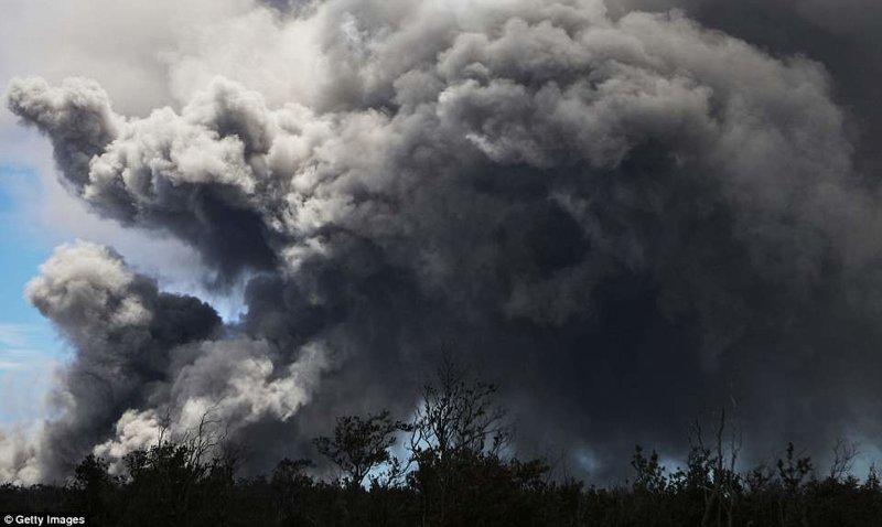 Из-за извержения вулкана на Гавайях объявлен красный уровень тревоги ynews, Килауэа, вулкан, гавайи, извержение вулкана, новости, стихийные бедствия, фото
