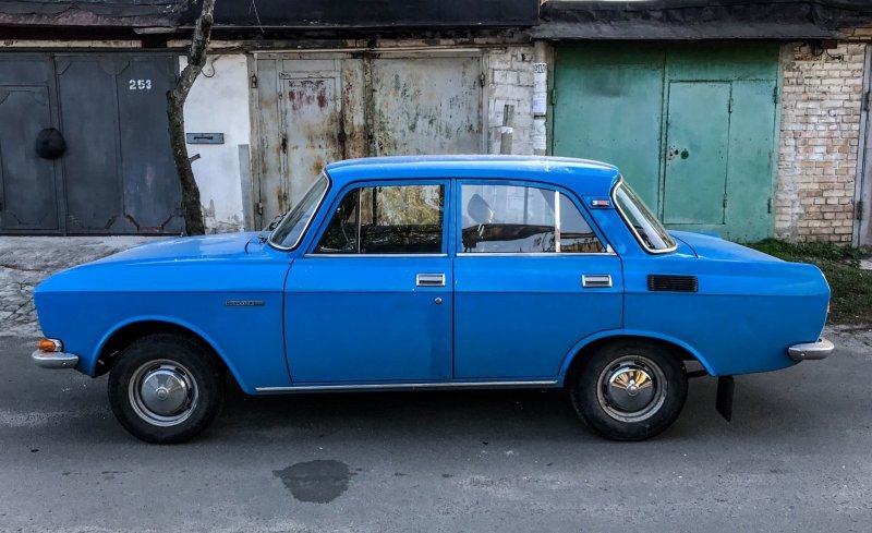Обилие хромированного декора — главное отличие внешности ранних 2140 авто, автомобили, азлк, капсула времени, москвич, москвич-2140, олдтаймер, ретро авто