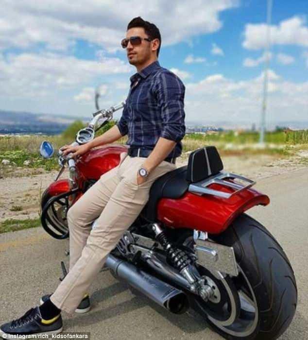 ... и мотоциклами rich kids, Анкара, богатые дети, богатые детишки, инстаграмм, мажоры, образ_жизни, турция