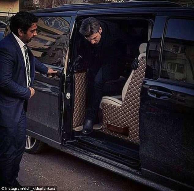 ... и персональными водителями rich kids, Анкара, богатые дети, богатые детишки, инстаграмм, мажоры, образ_жизни, турция