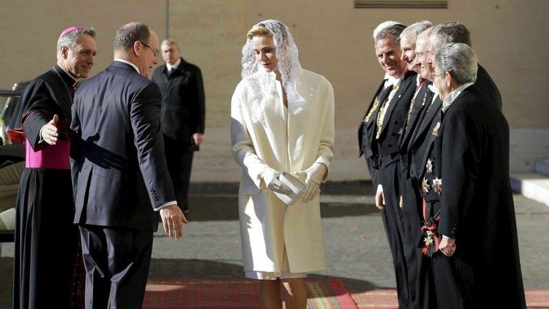 Во всём мире только 7 женщинам разрешено носить белое при Папе Римском Королевы, европа, истории, монархия, папа римский