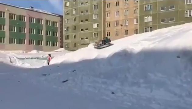 Норильск Это Россия детка, зима, перезапуск зимы, прикол, россия, снег, снова снег, юмор