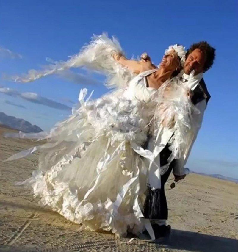 13. Платье, легкое как перышко Невеста креатив, наряд, невеста, нелепые, платье, свадебное платье, свадьба, странная одежда