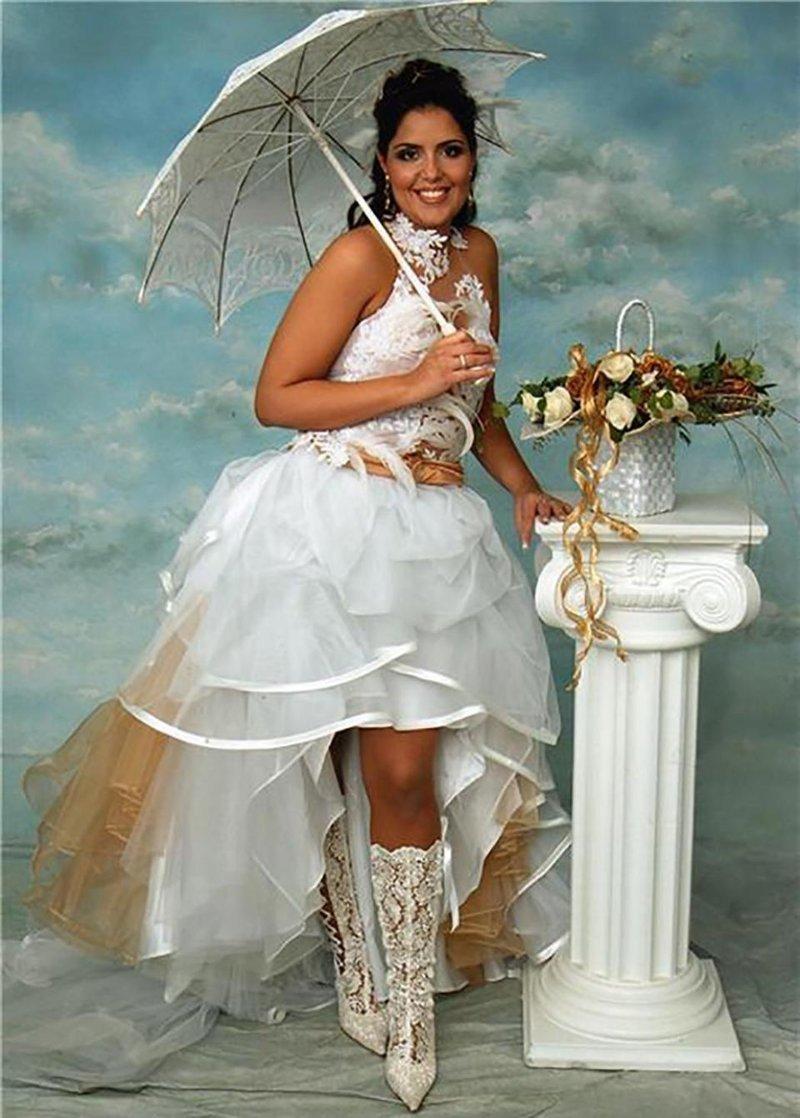 14. Свадебный наряд для родео? Похоже на то Невеста креатив, наряд, невеста, нелепые, платье, свадебное платье, свадьба, странная одежда