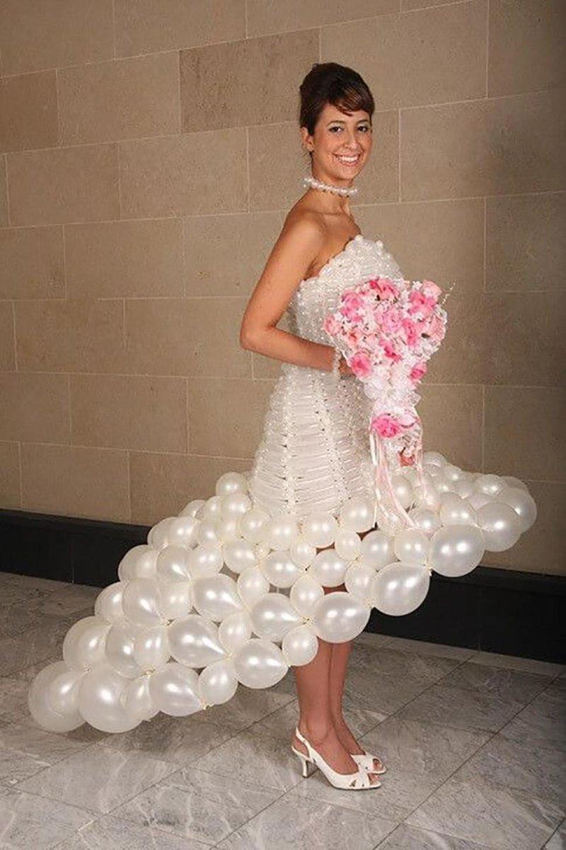 15. Платье из надувных шаров. Смелое решение! Невеста креатив, наряд, невеста, нелепые, платье, свадебное платье, свадьба, странная одежда