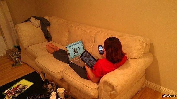 Зависимость? Какая ещё зависимость? зависимость, интернет-зависимость, подсела на интернет, прикол, соцсети, юмор