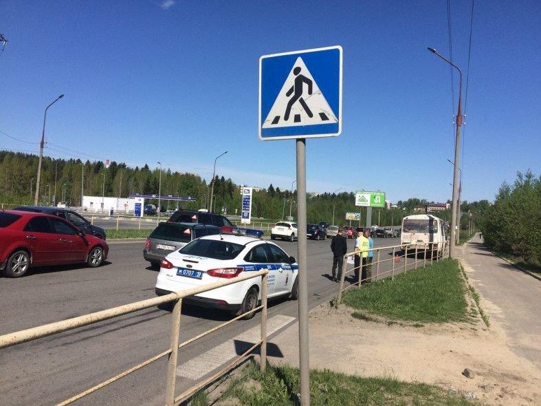 Сбили дважды: смертельное ДТП с пешеходом в Петрозаводске авария, авто, авто авария, видео, дтп, пешеход, пешехода сбили, смертельное дтп
