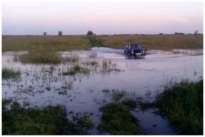 В Аксае создали непотопляемую Ниву: видео авто, амфибия, ваз 2121, видео, нива