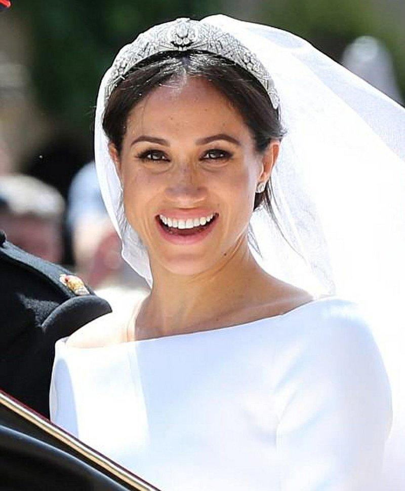 Ослепительная улыбка невесты  Megan, великобритания, гарри, знаменитости, принцесса, свадьба, фотография
