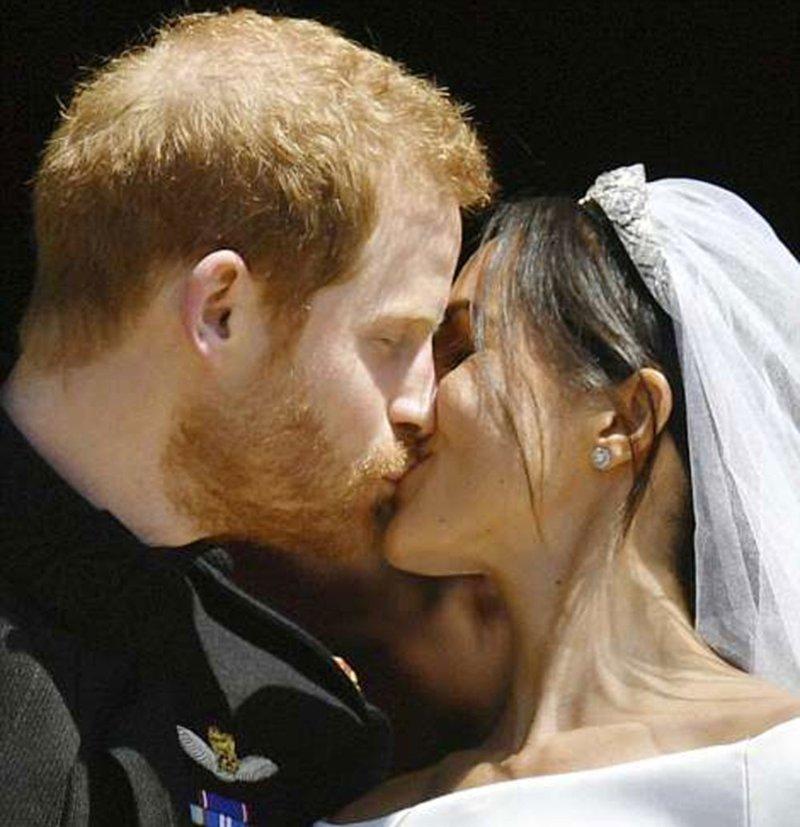 Более 100 тысяч людей вышли на улицы Виндзора Megan, великобритания, гарри, знаменитости, принцесса, свадьба, фотография