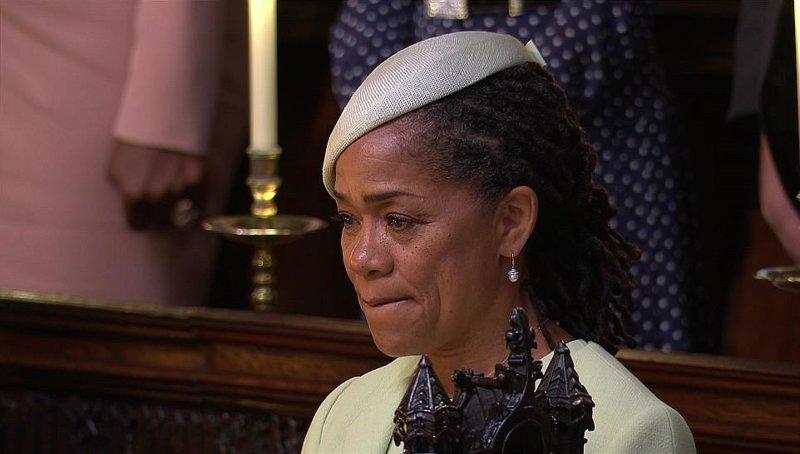 В ожидании появления дочери в часовне Дориа едва сдерживала слезы Megan, великобритания, гарри, знаменитости, принцесса, свадьба, фотография